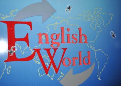Страшний і жахливий HALLOWEEN пройшов весело і завзято в школі English World.